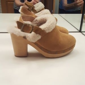 MADEWELL LESLIE SUEDE SHEARLING LINED CLOGS